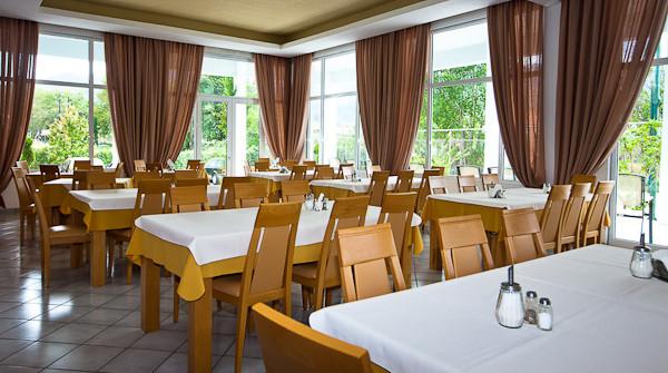 Thassos, Hotel Aethria, restaurant.jpg