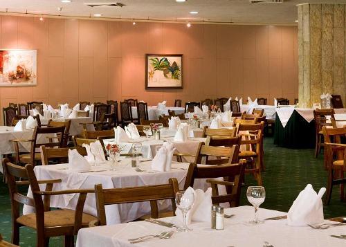 Hotel Dobrudja restaurant.JPG