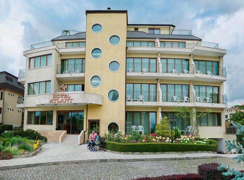 Hotel Atlant vedere generala.jpg