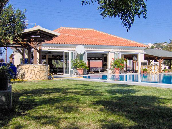 Corfu, Hotel Livadi Nafsika, exterior, bar.jpg