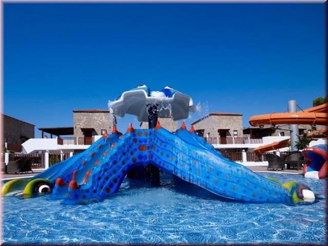 Costa Lindia piscina copii.jpg