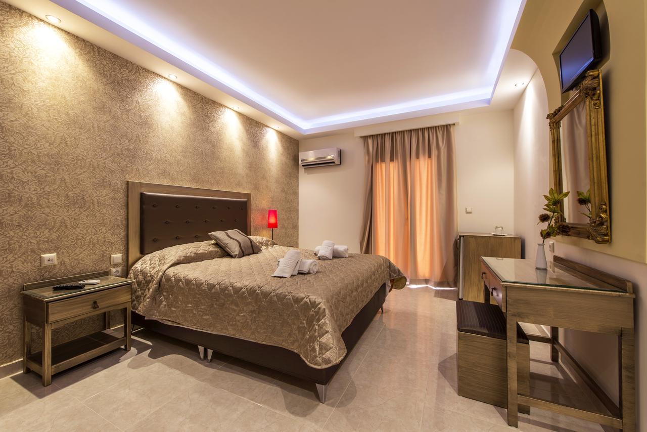 Hotelul Pirofani Pension room.jpg