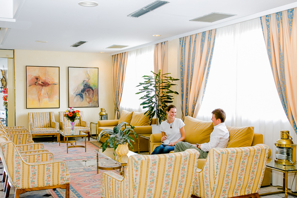 12- GOLDEN PLAYA SALON.jpg