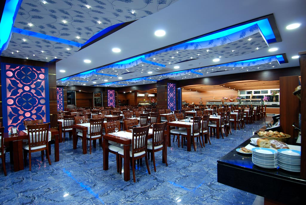 2grand_zaman_garden_hotel_restaurant_02.jpg