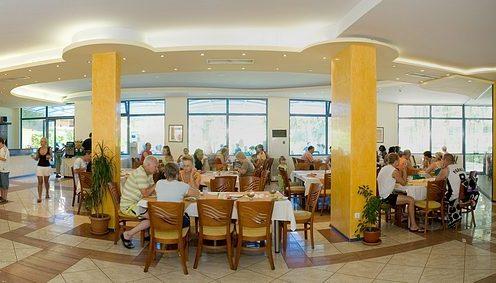 Hotel Royal restaurant.JPG