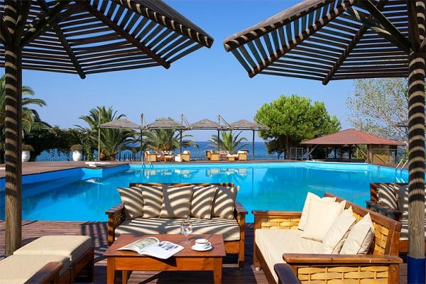 Thassos, Hotel Kamari Beach, exterior, piscina, terasa.jpg