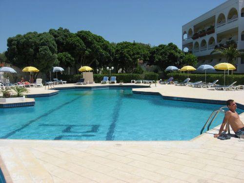 Hotel Happy Days  piscina.jpg