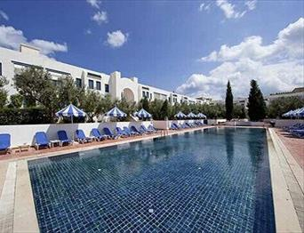Diar-Lemdina-Hotel-Big-Outdoor-Pool-Hammamet-TN_b.jpg